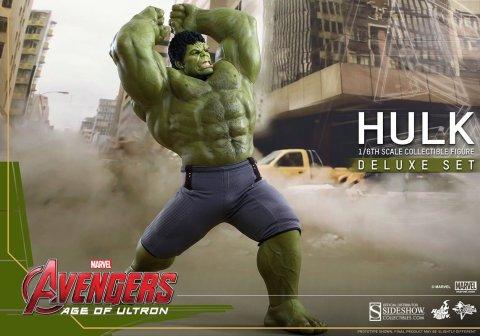 902348-hulk-deluxe-001