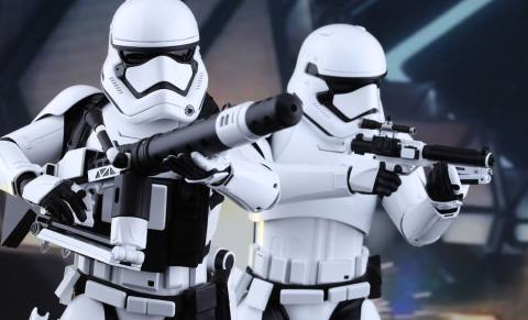 star-wars-first-order-stormtroopers-set-sixth-scale-hot-toys-feature-902537
