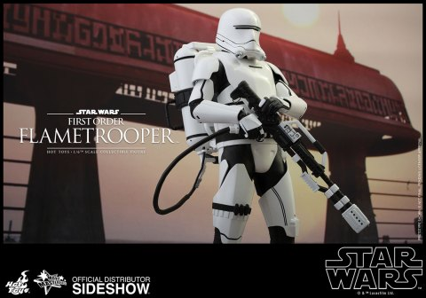 hot-toys-star-wars-the-force-awakens-first-order-flametrooper-sixth-scale-902575-8