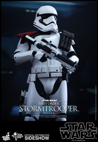 star-wars-first-order-stormtrooper-officer-sixth-scale-hot-toys-902603-06
