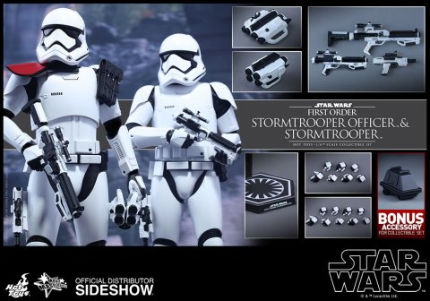 star-wars-first-order-stormtrooper-officer-stormtrooper-set-sixth-scale-hot-toys-feature-902604-06