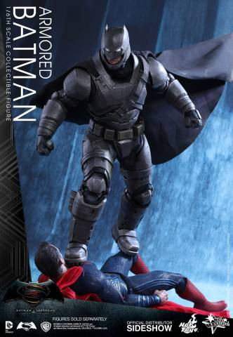 batman-v-superman-armored-batman-sixth-scale-hot-toys-902645-01