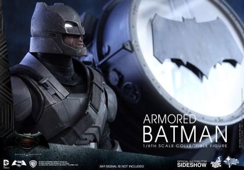 batman-v-superman-armored-batman-sixth-scale-hot-toys-902645-08