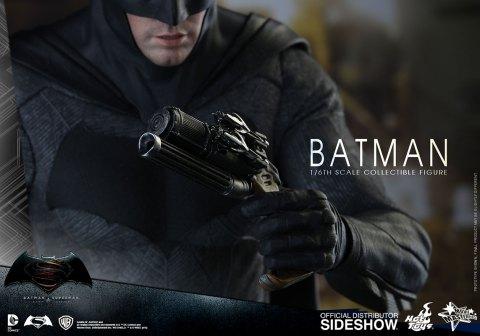 dc-comics-batman-sixth-scale-betman-v-superman-hot-toys-902618-16
