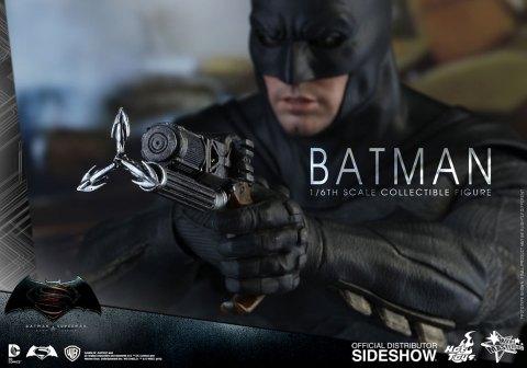 dc-comics-batman-sixth-scale-betman-v-superman-hot-toys-902618-18