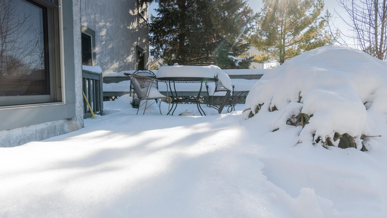 Keep A Deck Clean During Winter