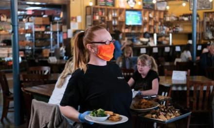 Mesas sin servilleteros y con menús digitales: Así serán los restaurantes
