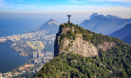 Río abre restaurantes en su rápida desescalada pese a elevada tasa de muertes