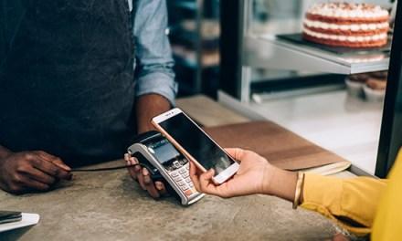 «¿En efectivo o tarjeta?». ¿Desaparecerá esta pregunta en los restaurantes gracias al coronavirus?
