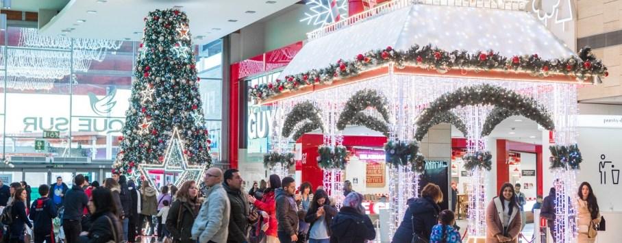 Casa de Papa Noel y Arbol de Navidad en Leganés