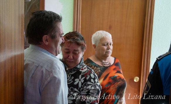 Julián y Mariángeles durante la negociación