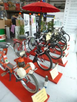 Velosolex en EXPO au Garage / Photo par Digitus Impudicus Productions