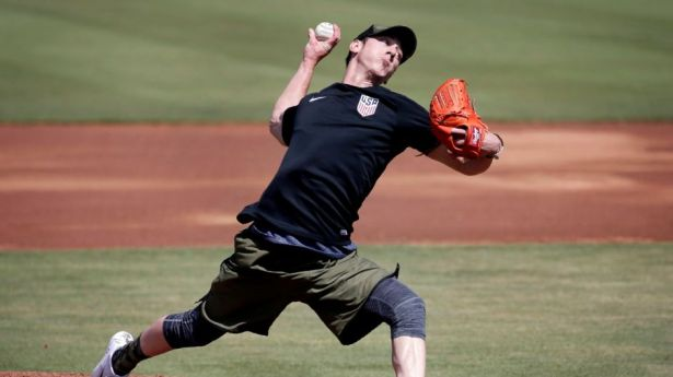 Tim Lincecum pitching at his showcase last week. (Photo:mlb.com)