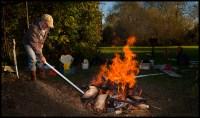 pottery pit fire | Leggephoto photography Blog