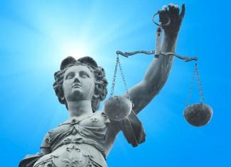 ¿Por qué el «control judicial de las leyes» es una institución tan atractiva?