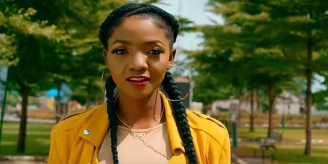 'Being Versatile is Bad for An Artiste' – Simi Reveals