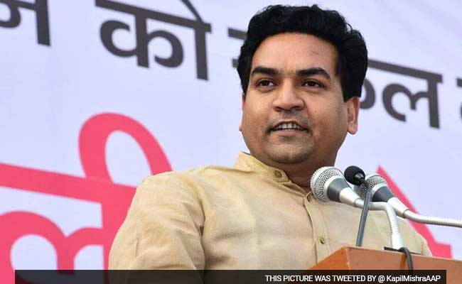 Aap Reshuffles, Kapil Mishra Removed from Delhi Cabinet