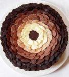 Renk geçişi olan bir kek dairesinde bırakır