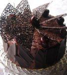 Ajur üçgenleri ile pasta