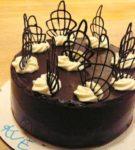 torta díszítő elemekkel