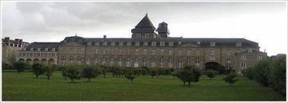 Un bâtiment imposant du XVIII siècle