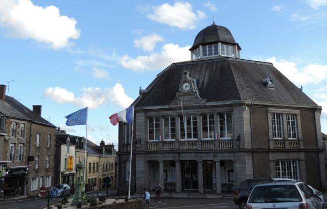 la mairie de Gorron en Mayenne