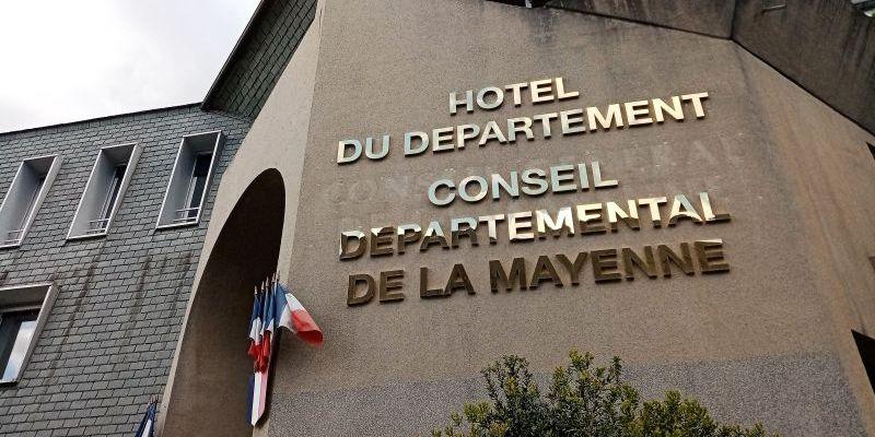 La nouvelle façade du conseil Départemental Mayenne