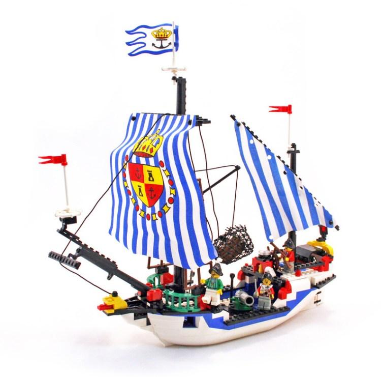 レゴ サンタクルス号