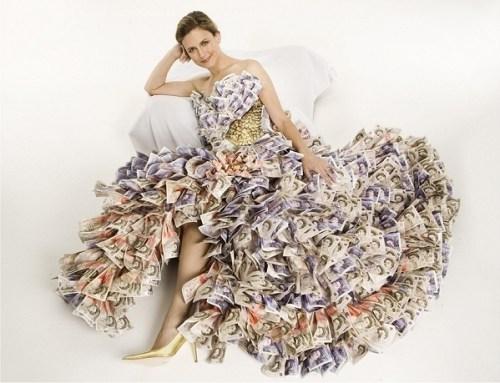 dress-made-of-euros