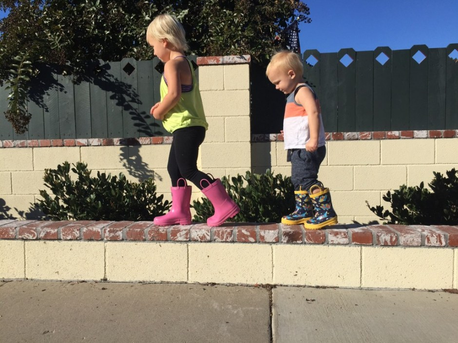 best ways for toddlers to wear rainboots without rain