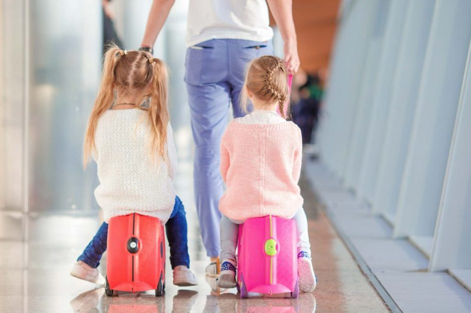 how-to-be-a-good-house-guest-when-you-are-visiting-with-kids