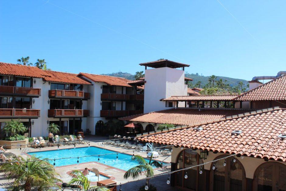 la-jolla-shores-hotel-pool
