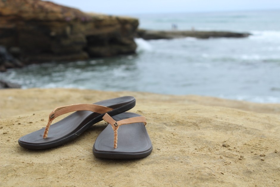 Olu-kai-Hoopio-Leather-sandals