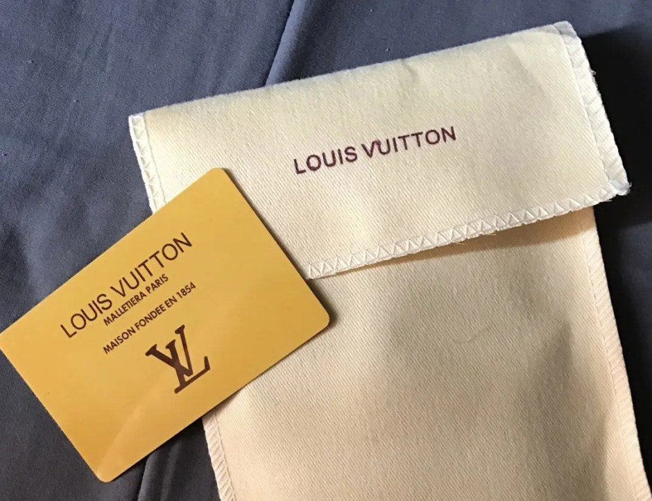 fake-louis-vuitton-accesories