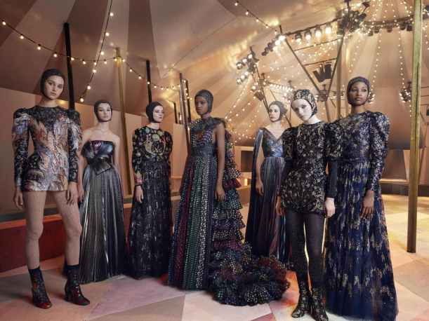 1553058870734023-DIOR_HAUTE-COUTURE_SPRING-SUMMER2019_DUBAI_GROUPSHOT_-Mazen-Abusrour-for-Dior