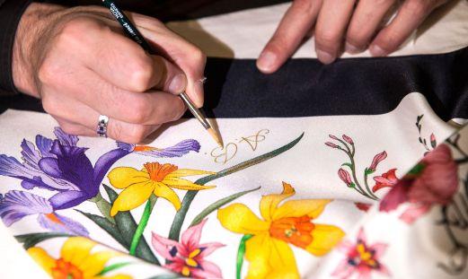 flora-gucci-foulard-vintage