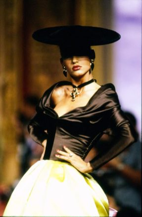 christian-lacroix-couture-fall-1987-CN00145830
