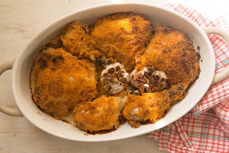 עוף בחרדל ופירורי לחם