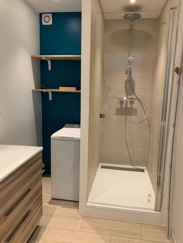 salle de douche beige