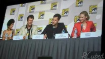 Cast of Fringe. Love me some Joshua Jackson!