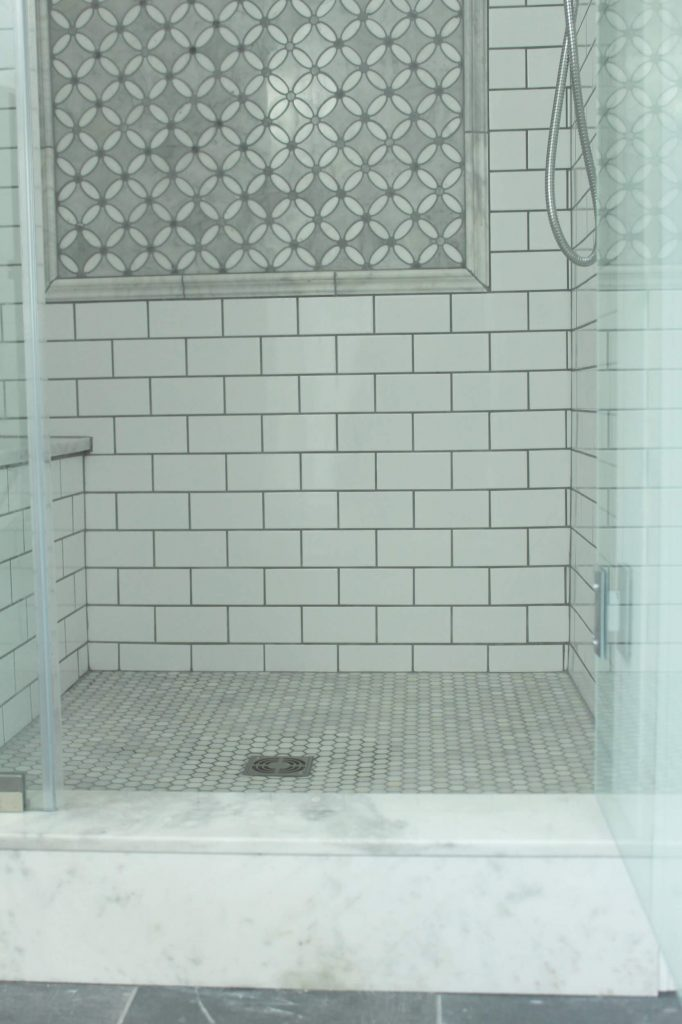 diy elegant farmhouse master bathroom