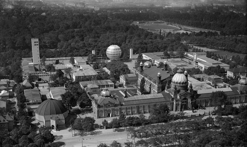Walter Hahn ber den Dchern von Dresden