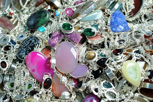 вредные свойства камней