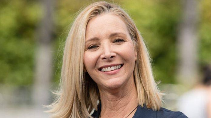 Lisa Kudrow Is Excited About FRIENDS Reunion!