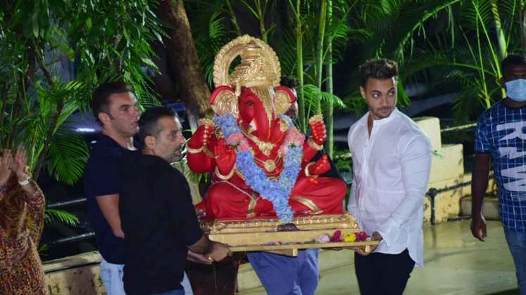 Arpita Khan ganpati celebration & immersion at her bandra home