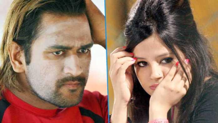 Sakshi on Dhoni's hairstyle