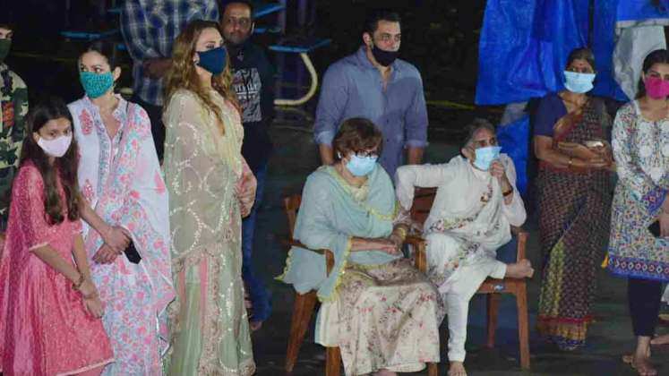 Salman Khan and his family at Arpita Khan's home for Ganesh Chaturthi 2020 celebrations
