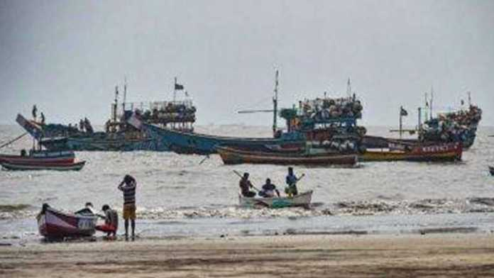 Sec 144 imposed in Mumbai ahead of cyclone; BMC urges car drivers to carry 'hammer'