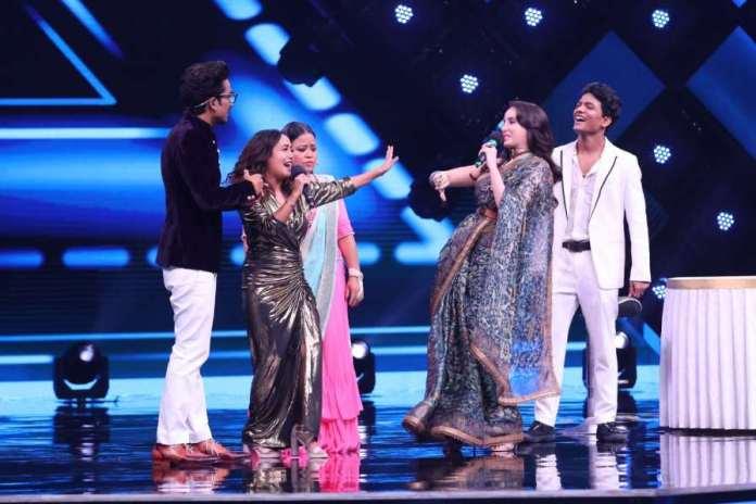 Neha Kakkar And Sunny Kaushal Celebrate Retro Special On India's Best Dancer