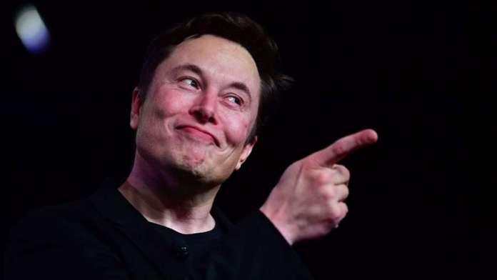 Tesla hits $100 billion value, Elon Musk now eligible for $346 million bonus